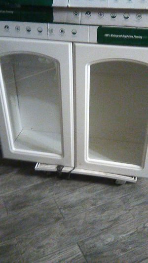 """Cabinet for kitchen 36"""" long 33"""" tall for Sale in Moreno Valley, CA"""