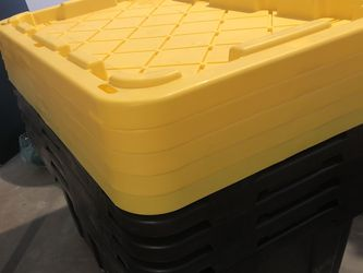 27 Gallon Storage Bins With Lids Like New! Total Of 5 for Sale in Hayward,  CA