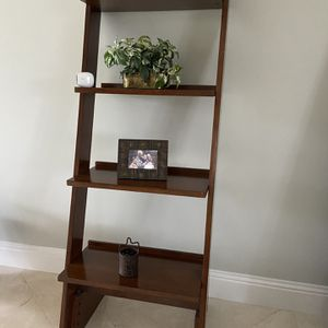 Wall or Corner Shelf for Sale in Fort Lauderdale, FL