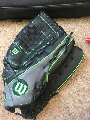"Wilson 14"" 6-4-3 slow pitch softball glove for Sale in Fontana, CA"