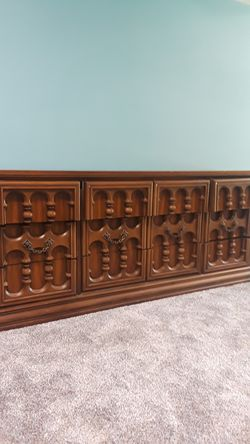 Dresser for Sale in Riverdale,  IA