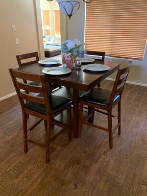 High Top Kitchen Table for Sale in Maricopa, AZ