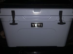 Yeti tundra cooler for Sale in Houston, TX