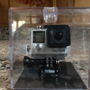 GoPro Hero4 Silver for Sale in Pinole, CA