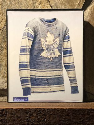 """Page from the Past : Picture of the 1930's Toronto Maple Leafs Jersey in """"8 x 10"""" glass frame. for Sale in Snellville, GA"""