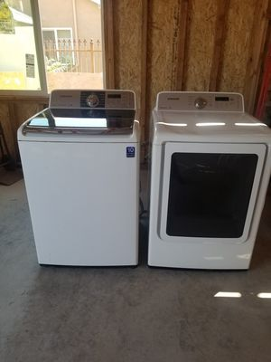 Samsung washer and dryer for Sale in Fresno, CA