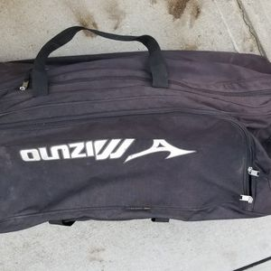 Mizuno Pudge Rodriguez 40 Inch Baseball Catchers Equipment Wheeled Bat Bag for Sale in Cary, NC