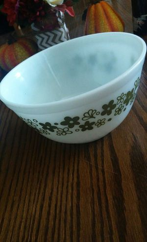 Pyrex baking and microwave dish for Sale in Rialto, CA
