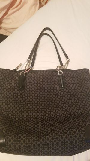 COACH SIGNIATURE SHOULDER BAG for Sale in Beaumont, CA