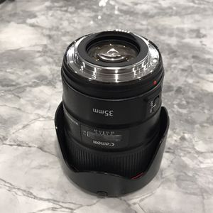 Canon 35mm 1.4 Lens for Sale in Las Vegas, NV