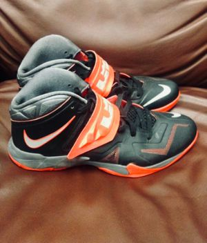 Nike Lebron zoom soldier VII 7 sneakers basketball shoes 599264-003 men's size 11 for Sale in Miami, FL