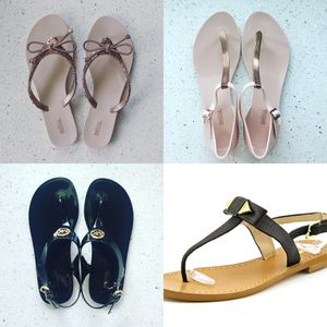 Women's Sandals Size 8 for Sale in Lombard, IL
