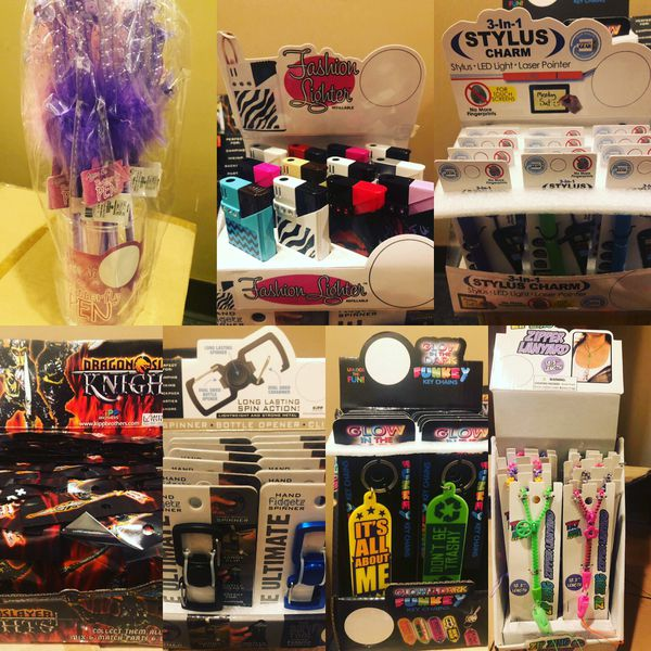 Retail store displays assorted 13 displays 156 items $90