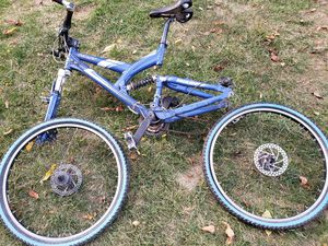 Giant Warp DS2 Bike for Sale in Weldon Spring, MO
