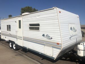 2004 travel trailer fully self-contained sleeps 6 Super nice and clean clear title bumper pull 26ft for Sale in Phoenix, AZ
