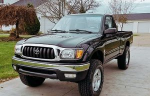 Very Nice 2001 TACOMA Toyota AWDWheels Cool for Sale in St. Petersburg, FL