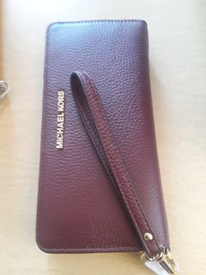 Wallets Michael Kors for Sale in Los Angeles, CA