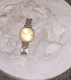 Gold Watch Womens Or Men for Sale in Houston,  TX
