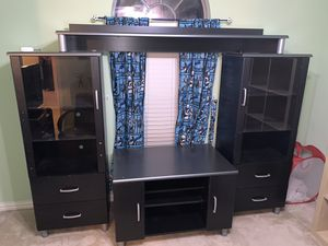Bedroom Furniture TV stand, Drawers and shelves for Sale in Grand Prairie, TX