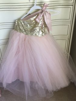 New Pale peach With Gold Top Flower Girl Dress Size 5 Never Used for Sale in Duluth,  GA