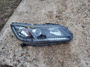 Headlight for Honda accord 2013-2015 for Sale in Adelphi, MD