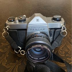 Vintage Camera Pentax Honeywell And Yakima really 35/135 for Sale in Sacramento,  CA