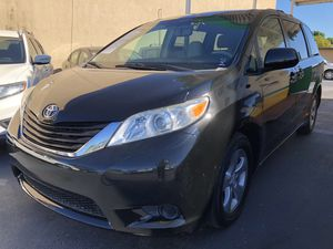 TOYOTA SIENNA 2011. 153K MILES. for Sale in Lake Worth, FL