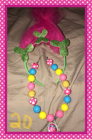 Necklace w headband new for Sale in North Las Vegas, NV