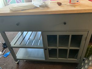 Kitchen island W/ shelves & storage for Sale in Long Beach, CA