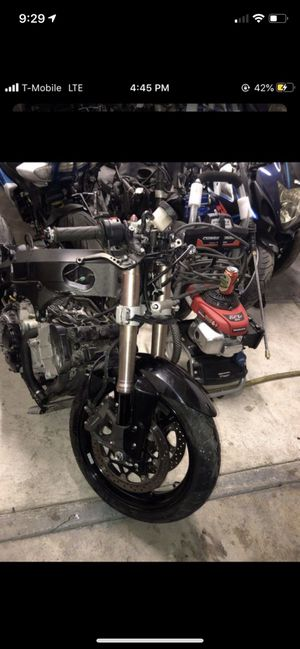 2005 2006 SUZUKI GSXR 1000 Whole part out for Sale in Riverside, CA