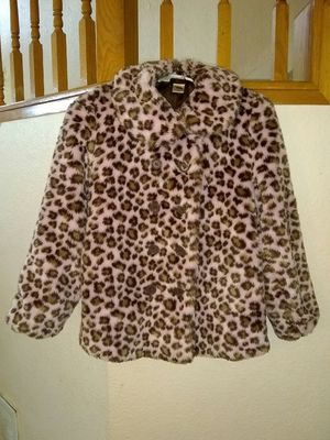 Girl's Gymboree Beautiful Faux Fur Coat in PINK and in EXCELLENT CONDITION for Sale in Modesto, CA