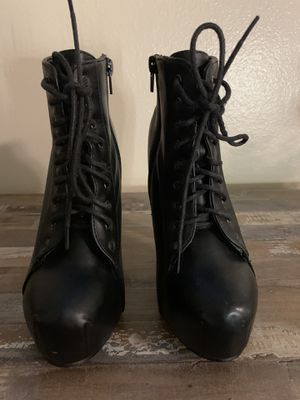 Size 6 black high heel boots for Sale in Garden Grove, CA