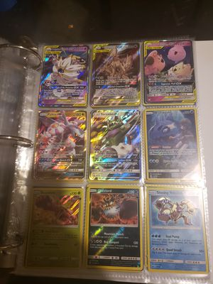 vendo cartas pokemon tengo mas de 500 cartas ultra rear for Sale in Kissimmee, FL