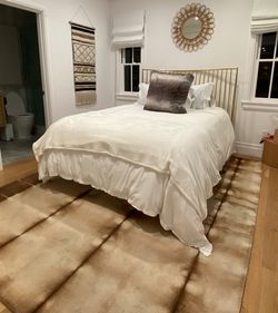 Brass Queen Bed for Sale in Los Angeles,  CA