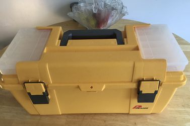 """Plano Tool/Accessory Box Yellow 20"""" Pickup in Petersburg, Illinois $15 for Sale in Petersburg,  IL"""