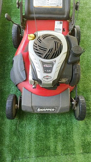 Snapper lawnmower with bagger for Sale in Thonotosassa, FL
