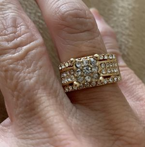 New CZ gold filled wedding ring size 7 for Sale in Hoffman Estates, IL