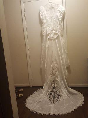 Wedding dress size 12 for Sale in Woodbridge, VA