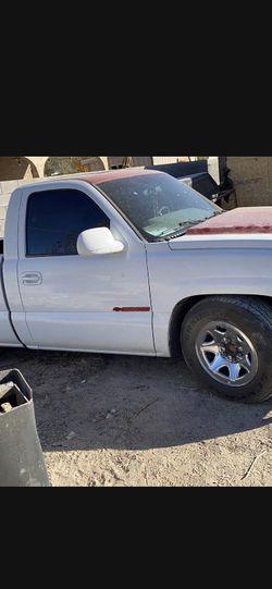 2001 Chevrolet Silverado for Sale in Las Vegas,  NV