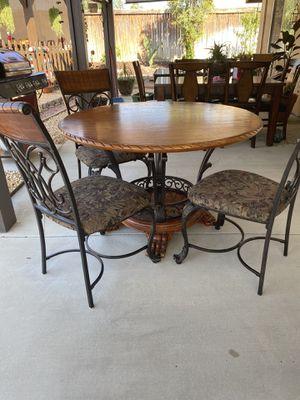 Comedor de 4 sillas en buenas condiciones for Sale in GLMN HOT SPGS, CA