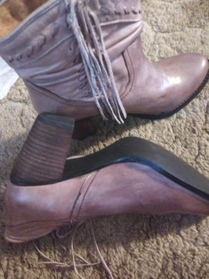 Womens size 10 brand ankle boots with fringes for Sale in Owasso, OK