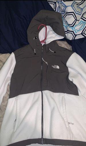 North face women's medium jacket for Sale in Leesburg, VA