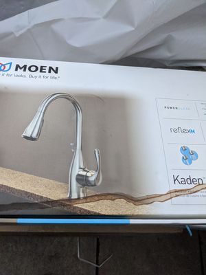 New MOEN Stainless Kitchen Kaden Single-Handle Pull-Down Sprayer Kitchen Faucet for Sale in Fontana, CA