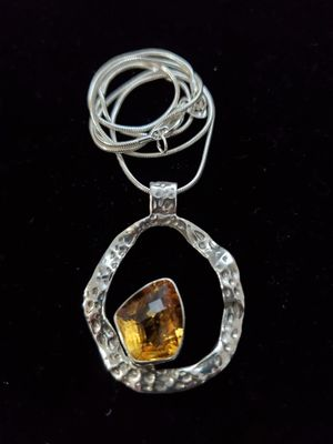 Beautiful citrine on circle sterling silver necklace for Sale in Henderson, NV