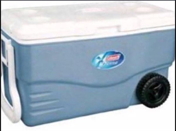 Coleman extreme cooler 100 qt with wheels