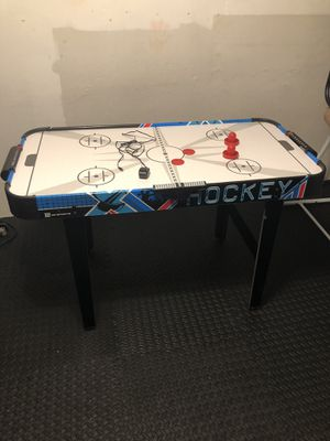 Air hockey table for Sale in Milford Charter Township, MI