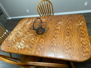 Dining room table set with chairs for Sale in Rancho Cucamonga, CA
