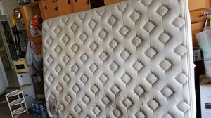 Queen size matress for Sale in Kissimmee, FL