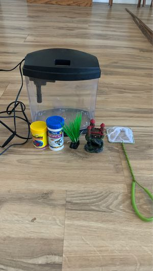 Small 1 gallon Fish tank with essentials for Sale in Bradley Beach, NJ