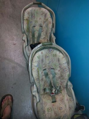 Graco car seats both have their base for Sale in Goodlettsville, TN
